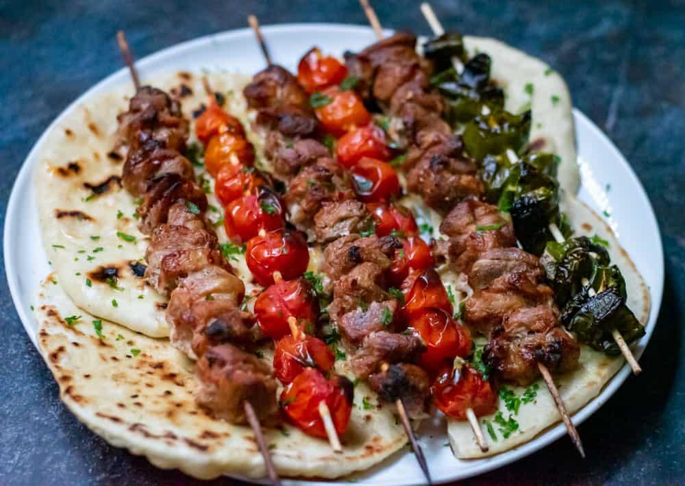 lamb shish kebabs with pita bread